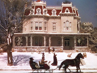 Even the Smith's house (which is pretty much the setting for everything in the film) is an idealized